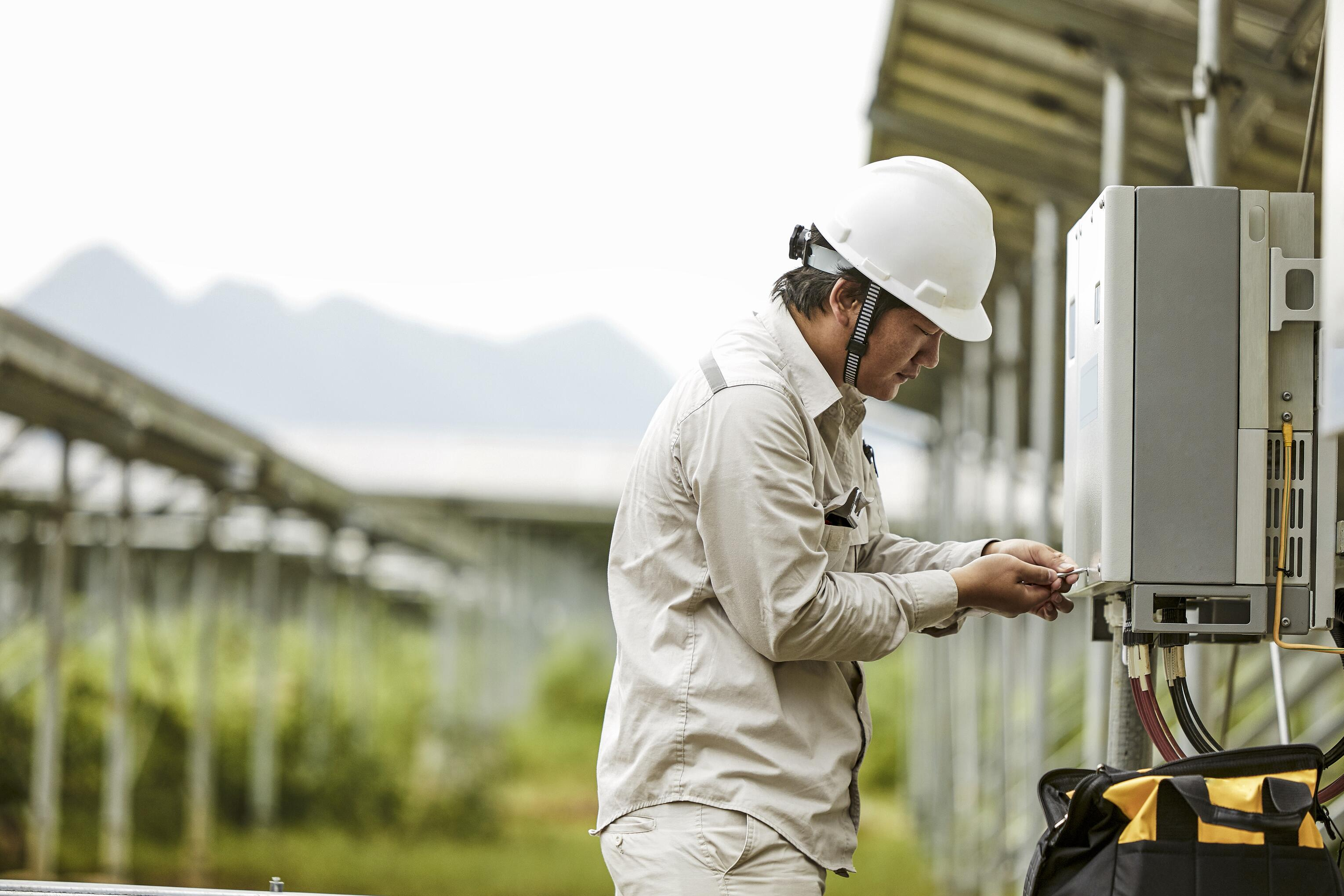Engineer Photo Voltaic System Field Service